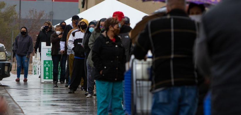 El Pasoans waiting in line at Food Bank